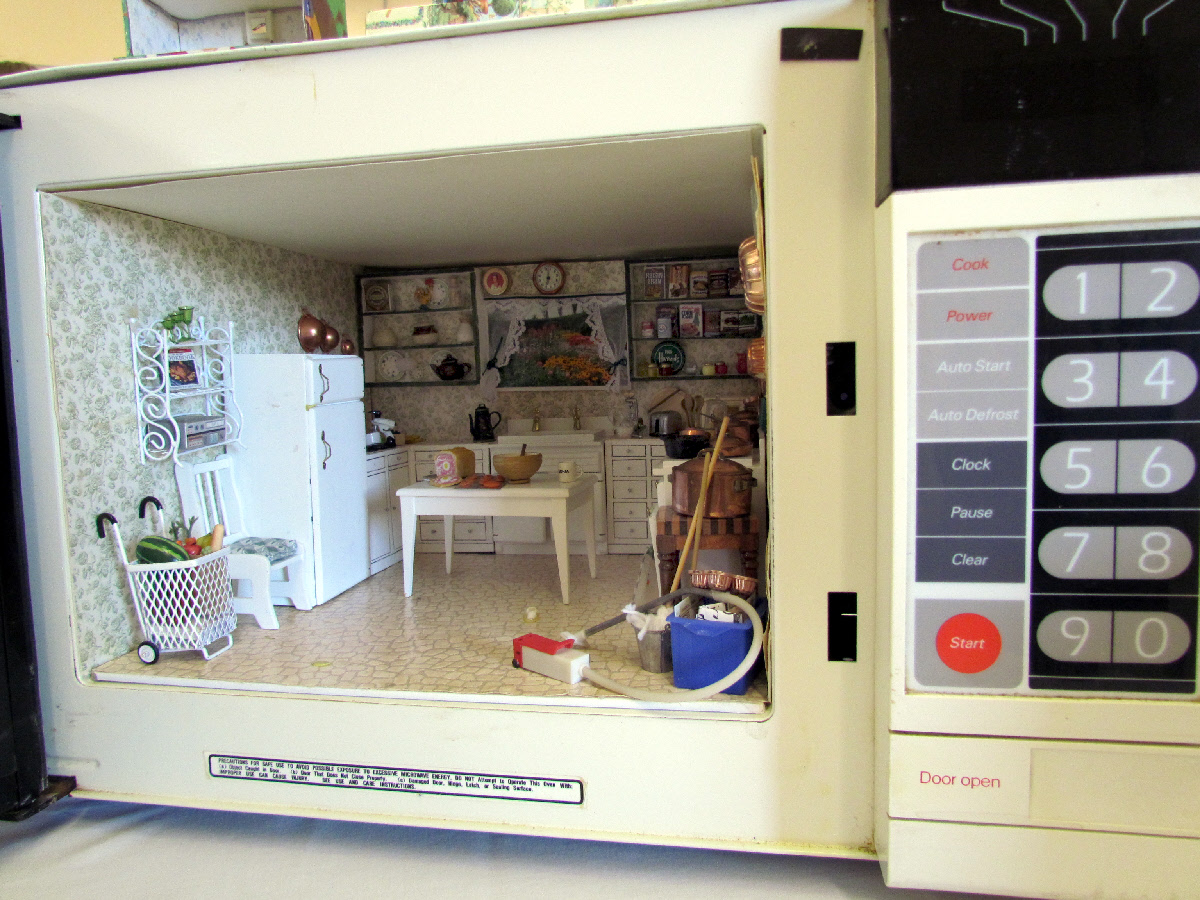 Uncategorized Miniature Kitchen Appliances miniature trip sister trips tails sonia made this awesome kitchen scene inside an old broken microwave oven it had