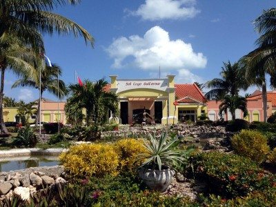 The front entrance of the resort was nice, especially when you're being bathed in sunshine and its 30 degrees Celsius!